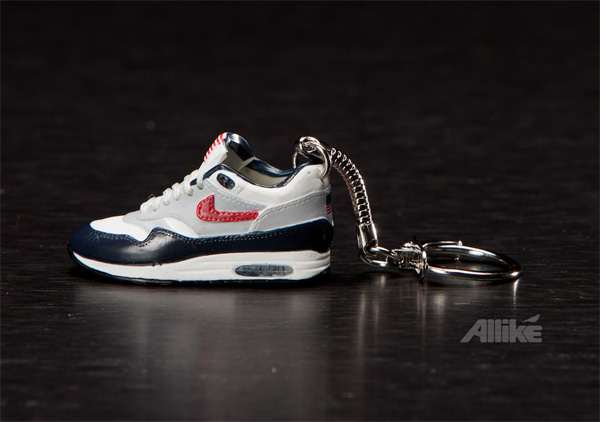 air-max-sneaker-chain