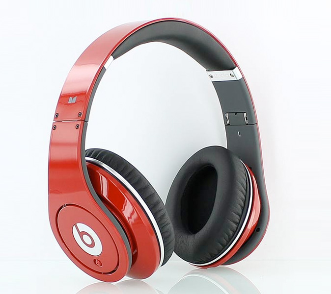 beats-by-dre-red-studio